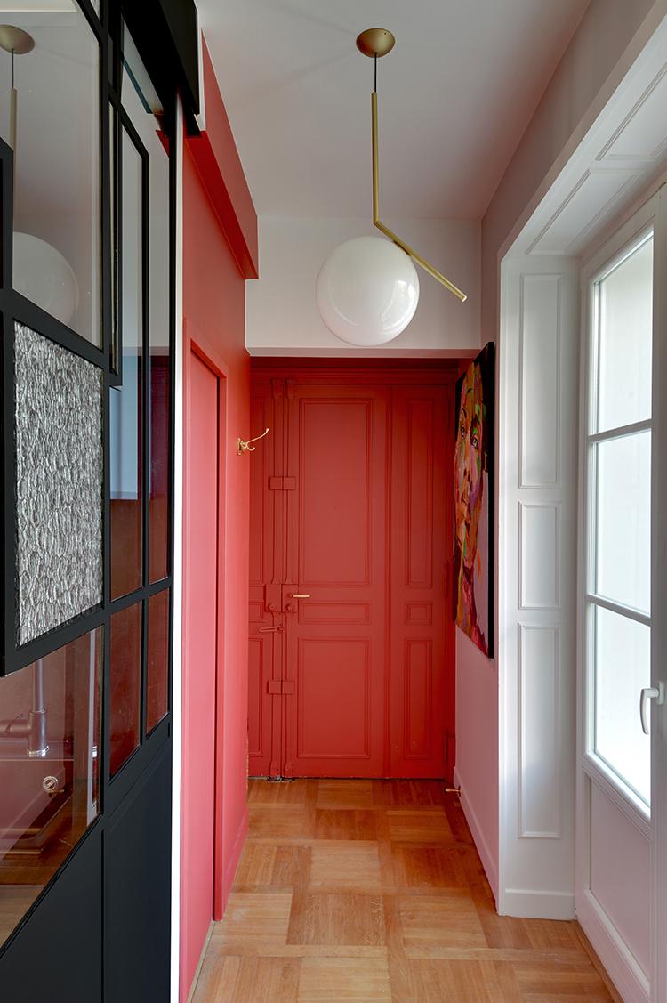 Rénovation Art Déco - verrière art déco et entrée rouge - Architecte intérieur Paris - Studio Mariekke