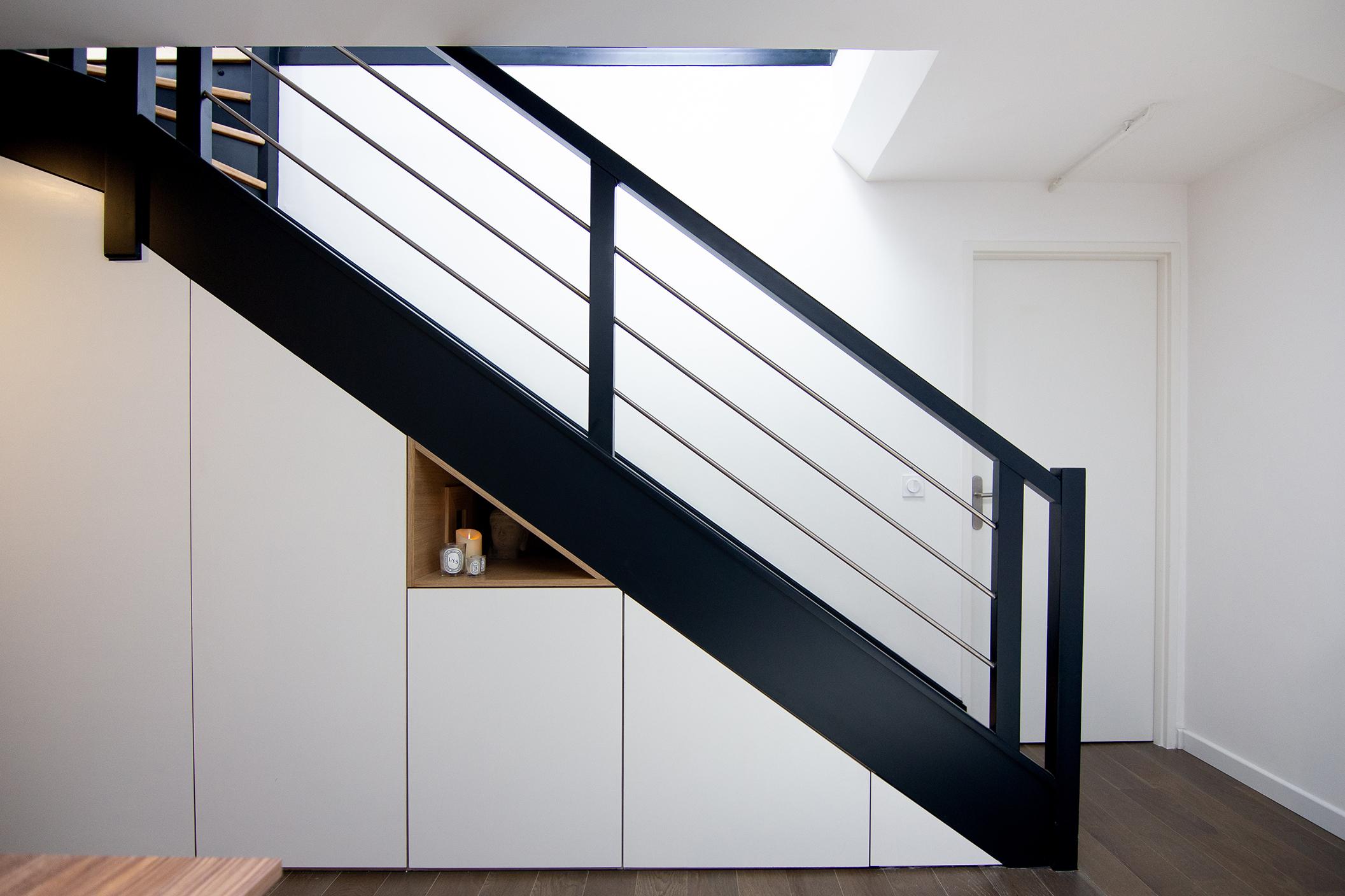 Placards sous escalier - Architecte intérieur Studio Mariekke - Paris