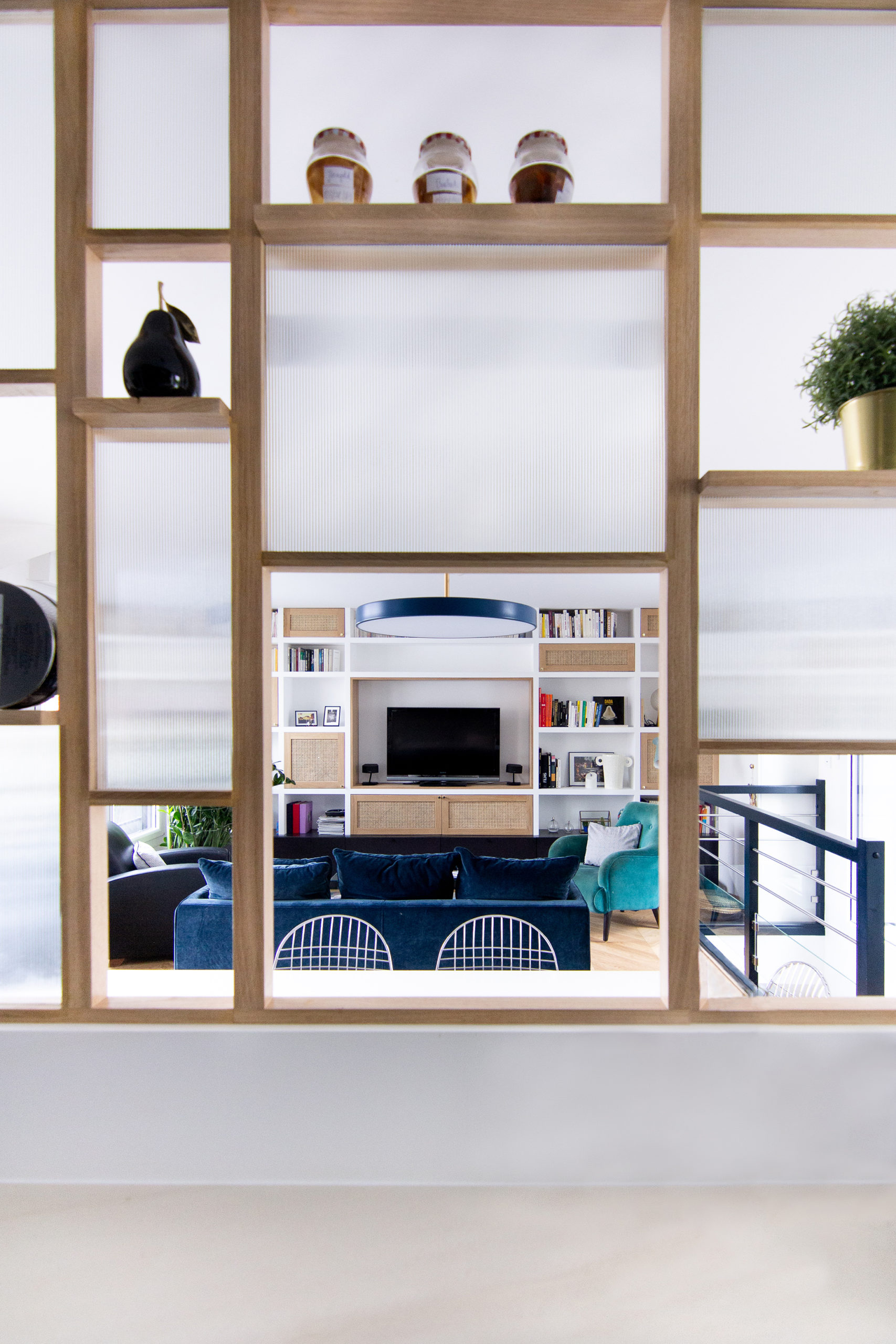 Verrière bois et verre cannelé - Architecte d'intérieur Studio Mariekke - Paris