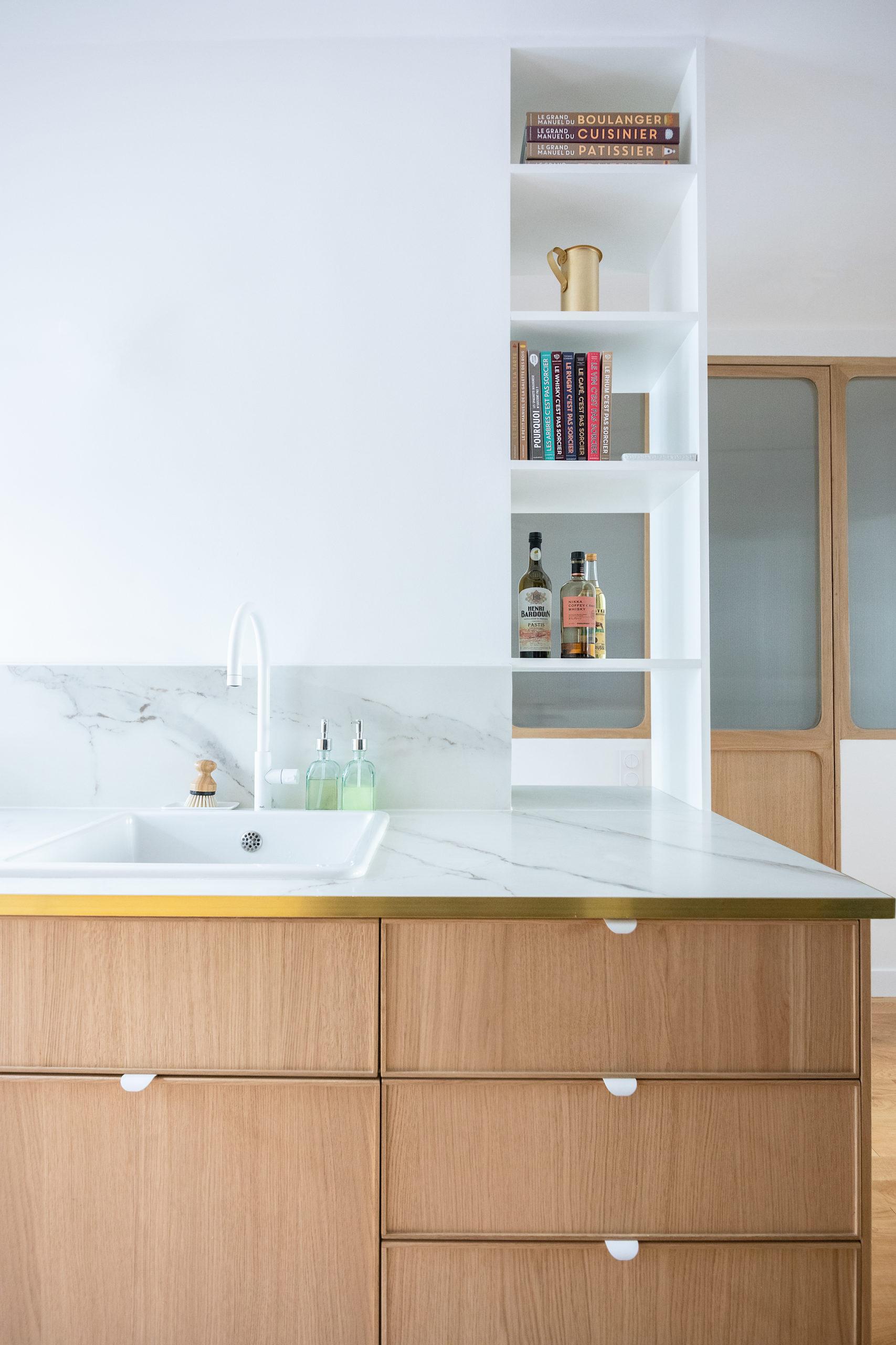 Cuisine bois et marbre - Architecte intérieur Studio Mariekke - Paris